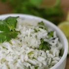 Deleita a tus invitados con este arroz con cilantro y limón